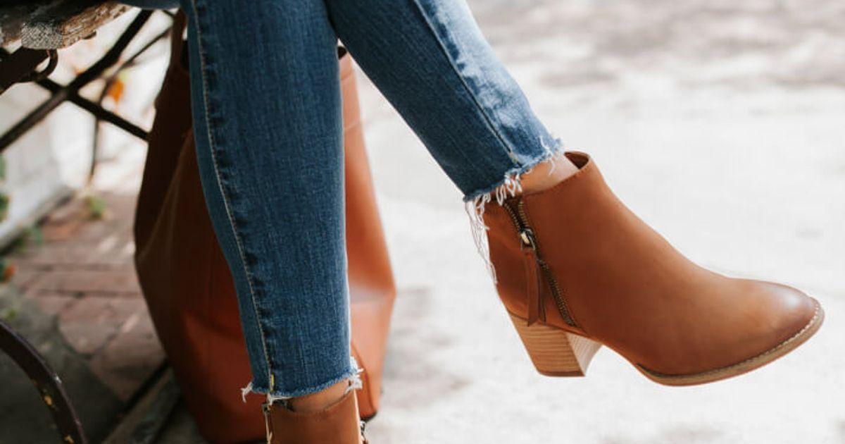 Como a baixinha deve usar botas